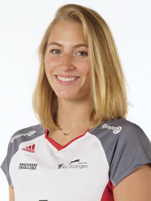Courtney Felinski - Saison 17-18
